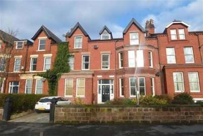 4 Bedrooms Flat for rent in Ullet Road, Liverpool. L17 2AA