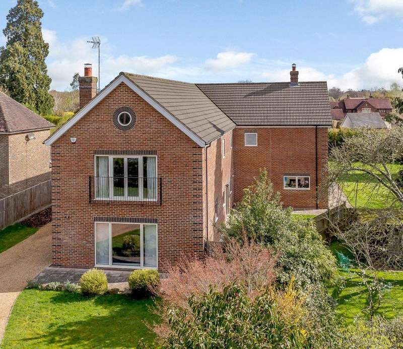 6 Bedrooms Detached House for sale in Farthings Hill, Horsham, West Sussex