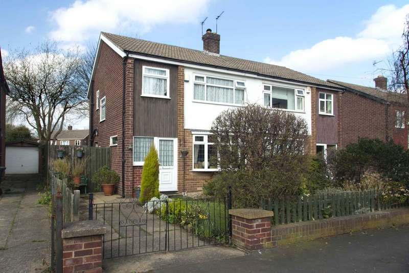 3 Bedrooms Semi Detached House for sale in Stanmore Crescent, Burley, Leeds 4