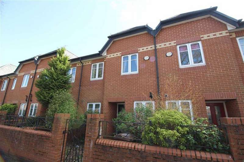 3 Bedrooms Town House for sale in Brantingham Road, Chorlton
