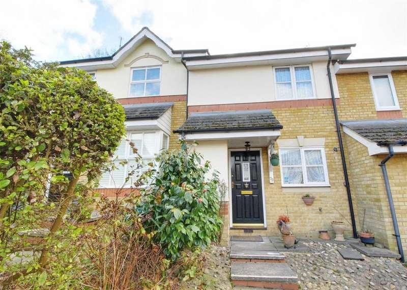 2 Bedrooms Terraced House for sale in Macleod Road, LONDON, N21