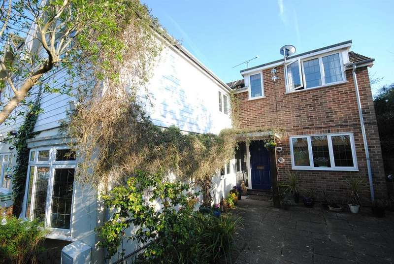 4 Bedrooms Semi Detached House for sale in Lower Village Road, Sunninghill