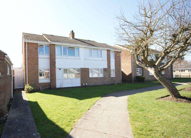 3 Bedrooms Semi Detached House for sale in Kittiwake Close, Peel Common, PO13