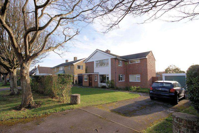 4 Bedrooms Detached House for sale in Short Road, Hill Head, PO14