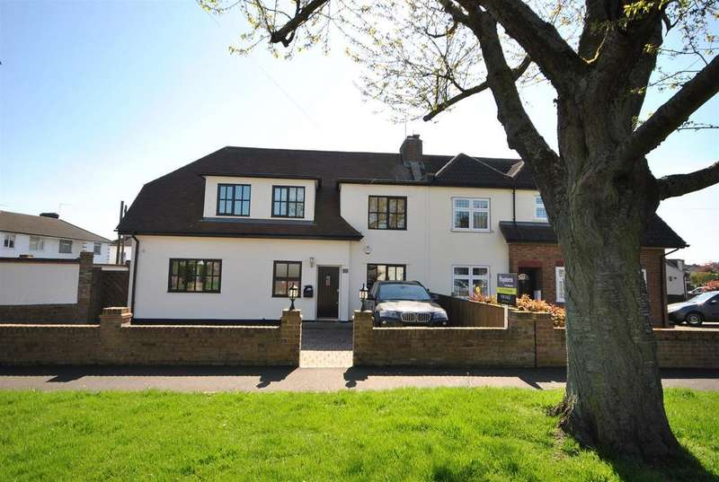 4 Bedrooms Semi Detached House for sale in Robinson Avenue, Goffs Oak
