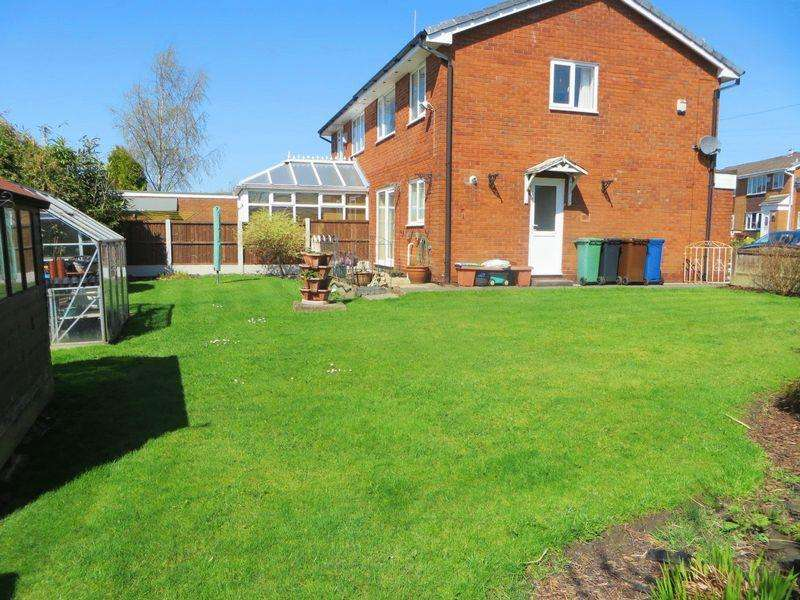 3 Bedrooms Semi Detached House for sale in Barnfield Close, Radcliffe M26 3UA