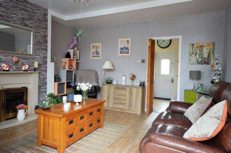 2 Bedrooms Terraced House for sale in Tetlow Street, Manchester