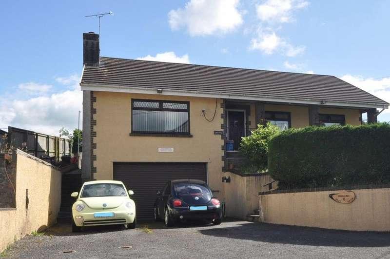 3 Bedrooms Detached Bungalow for sale in Highlands, 6 Heol Salem, Johnstown, Carmarthen SA31 3HS