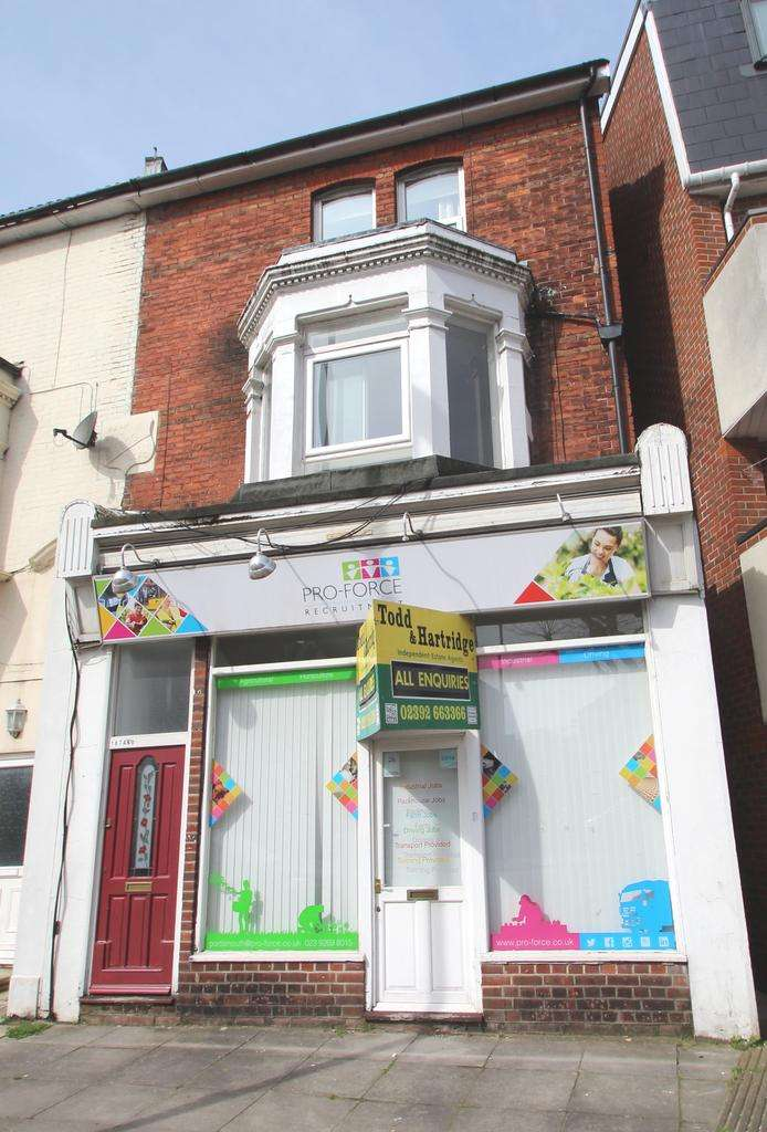 2 Bedrooms Flat for sale in 187 London Road, North End, Portsmouth PO2