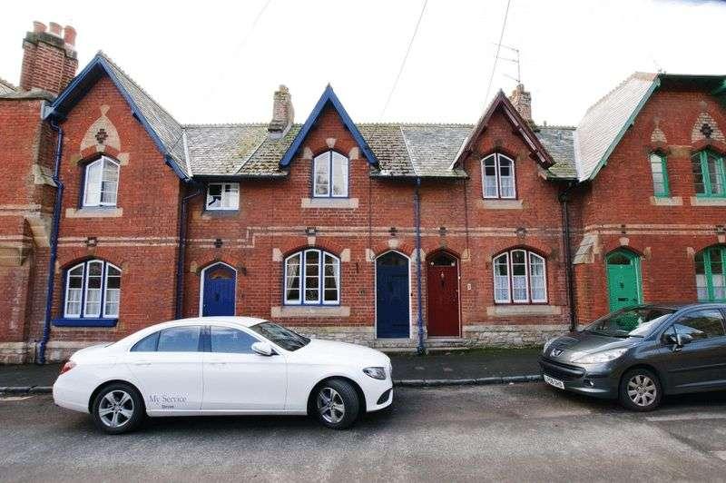 2 Bedrooms Property for sale in Church Street, Kenton