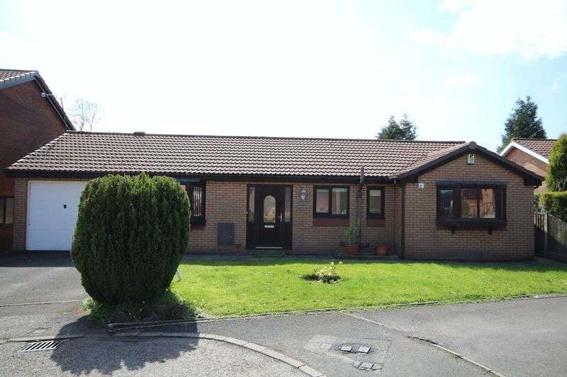 3 Bedrooms Property for sale in Upper Passmonds Grove Passmonds, Rochdale