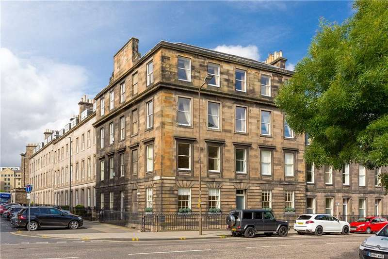 4 Bedrooms Flat for sale in Castle Terrace, Edinburgh, Midlothian, EH1
