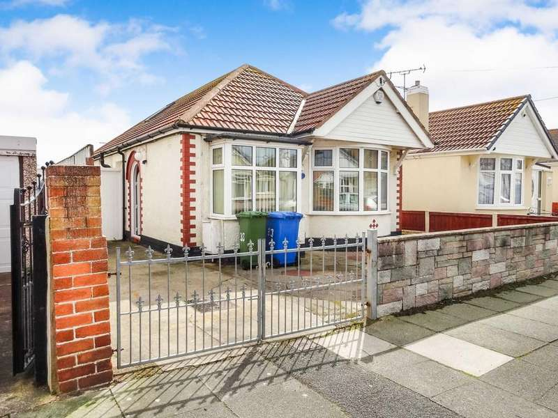 3 Bedrooms Detached Bungalow for sale in Carlisle Avenue, Rhyl