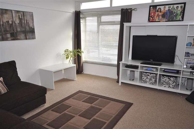1 Bedroom Flat for sale in Clay Hill Road, Vange, Essex