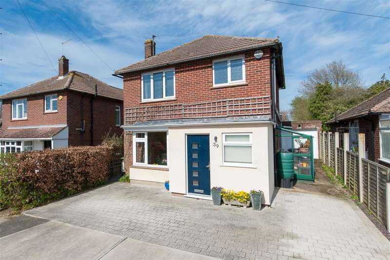 3 Bedrooms Detached House for sale in The Foreland, Canterbury
