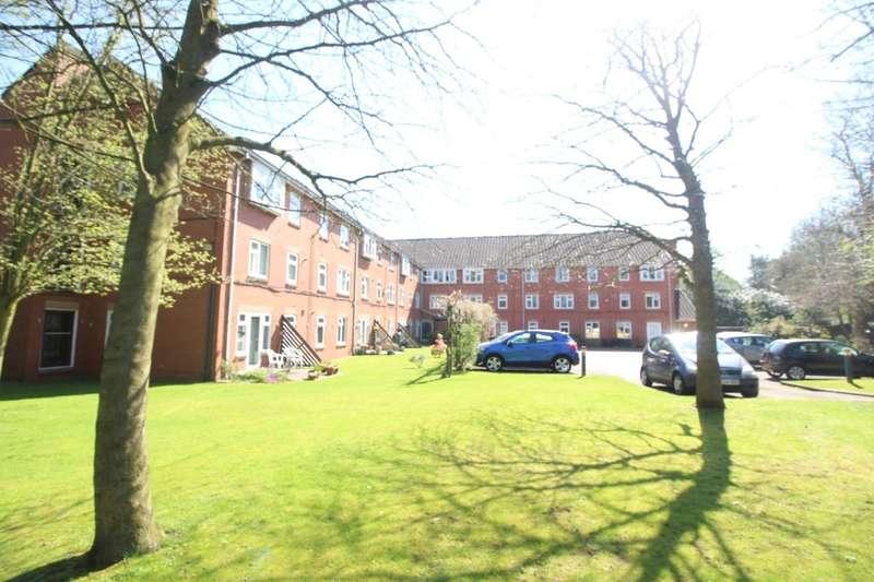 2 Bedrooms Flat for sale in Oakfield, Sale, M33