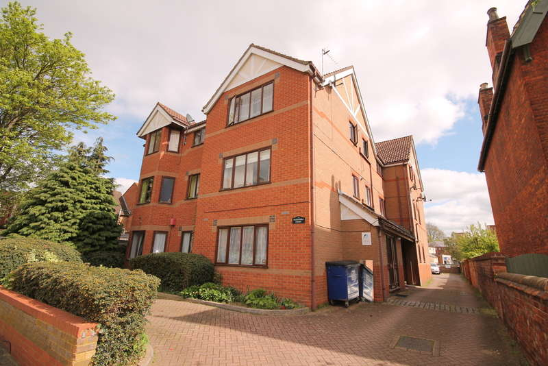 1 Bedroom Apartment Flat for sale in Alexandra Court, 49 Conduit Road, Bedford, MK40
