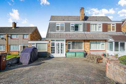 4 Bedrooms Semi Detached House for sale in Hooe, Plymstock, Plymouth