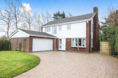 4 Bedrooms Detached House for sale in Murrayfield, Prestbury, Cheshire, Uk