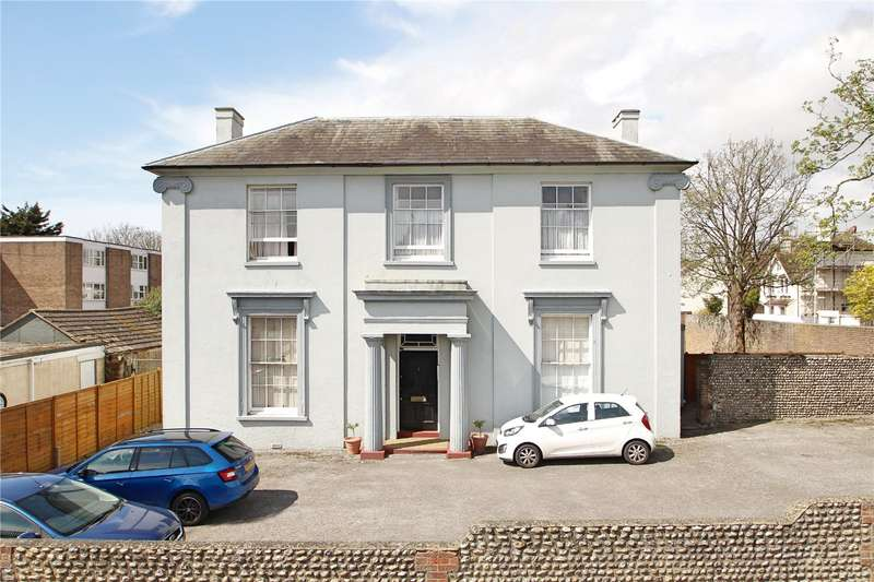 2 Bedrooms Apartment Flat for sale in Ace House, Bridge Road, Worthing, BN14