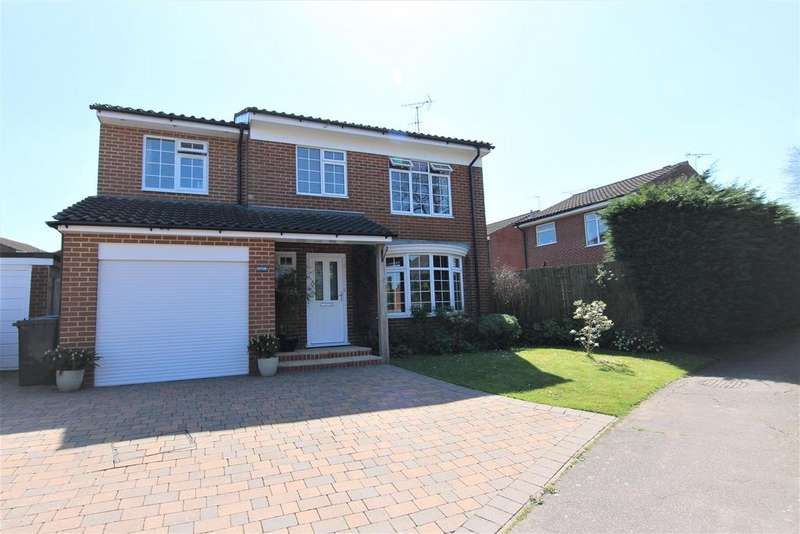 4 Bedrooms Detached House for sale in Tindal Close, Burgess Hill