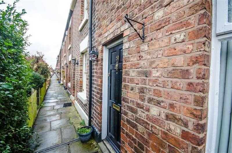2 Bedrooms Terraced House for sale in Pyecroft Street, Handbridge, Chester, Chester