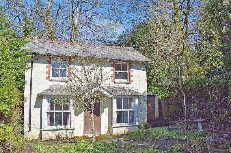2 Bedrooms Detached House for sale in Liskeard, Cornwall
