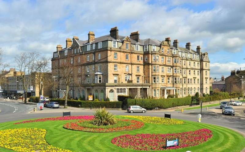 3 Bedrooms Apartment Flat for sale in York Place, Prince Of Wales Mansions, Harrogate