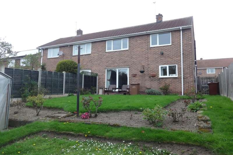 2 Bedrooms Semi Detached House for rent in Wharncliffe Road, Wakefield, WF2