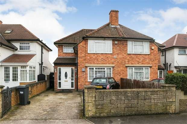 4 Bedrooms Semi Detached House for sale in Summerhouse Avenue, Hounslow, Greater London