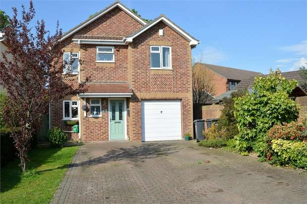 4 Bedrooms Detached House for sale in Charles Gardens, Ensbury Park, Bournemouth