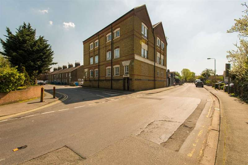 1 Bedroom Apartment Flat for sale in Church Road, Sittingbourne