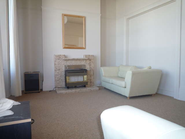 3 Bedrooms Maisonette Flat for rent in Abbey Road, Brighton