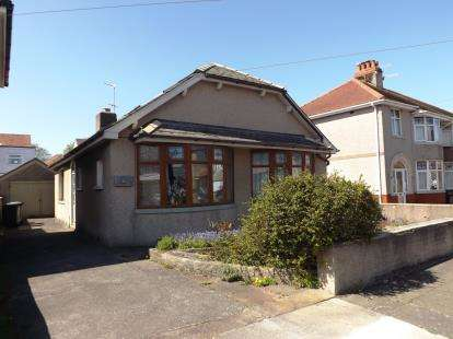 3 Bedrooms Bungalow for sale in Brantwood Avenue, Morecambe, Lancashire, United Kingdom, LA4