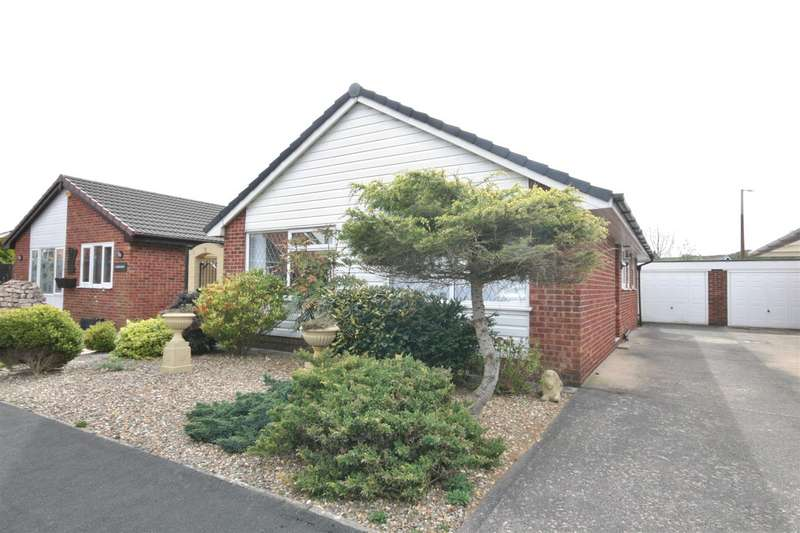 3 Bedrooms Detached Bungalow for sale in Cedarwood Close, Lytham
