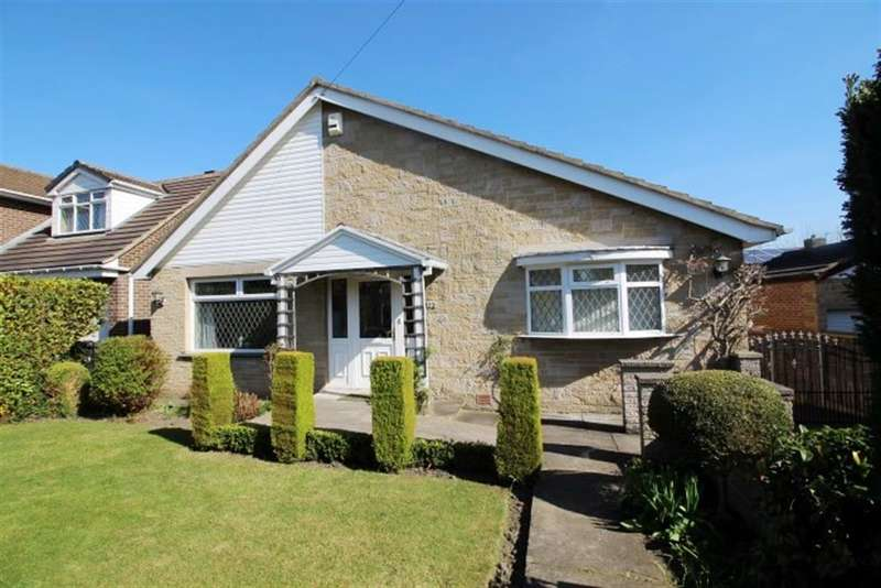 4 Bedrooms Detached Bungalow for sale in Newlands, Farsley, LS28 5BE