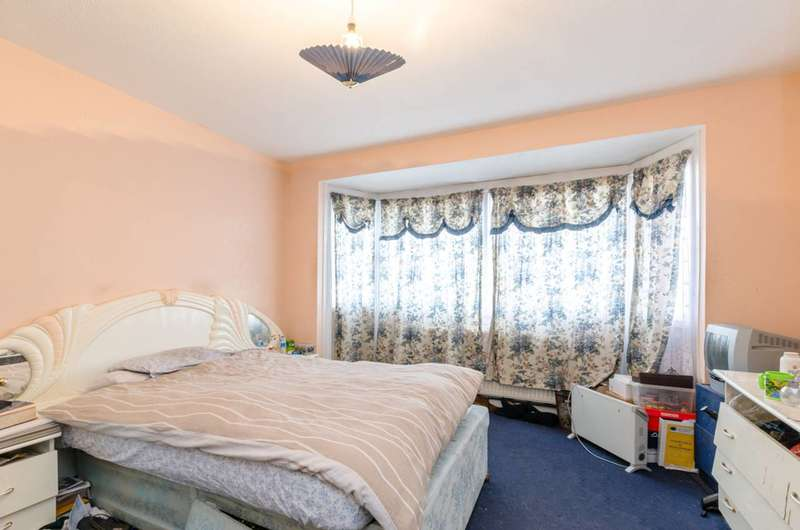 4 Bedrooms House for sale in Colman Road, Beckton, E16