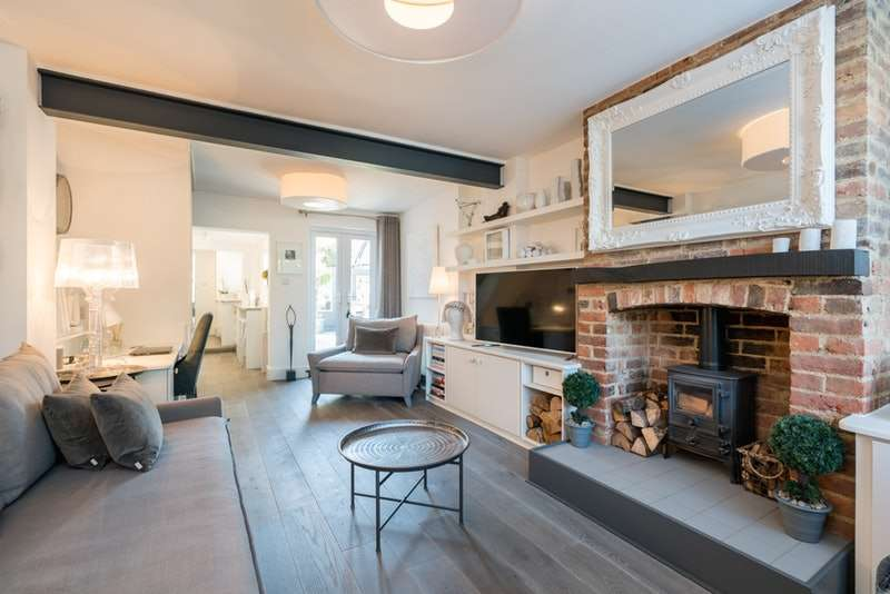 2 Bedrooms Terraced House for sale in Southdown Road, Harpenden, Hertfordshire, AL5