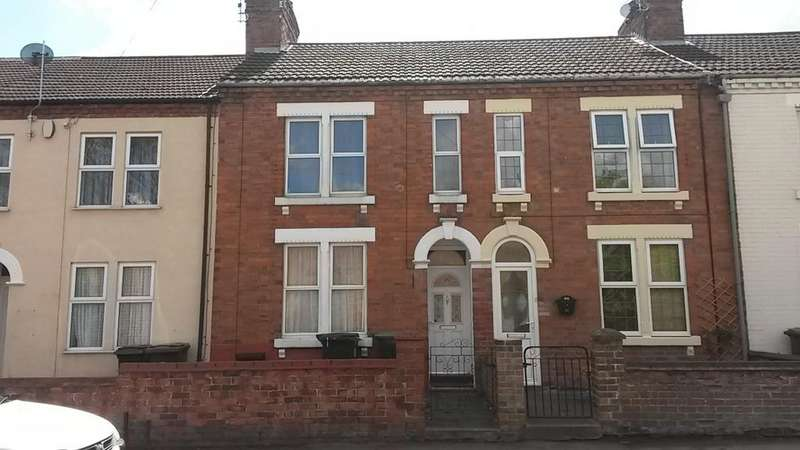 2 Bedrooms Terraced House for sale in Washbrook Road, Rushden NN10