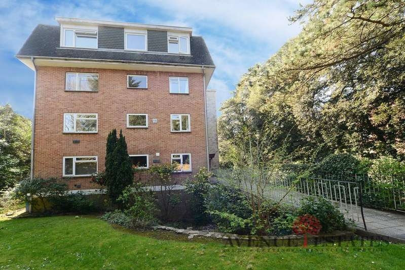 1 Bedroom Flat for sale in Woodland Grange, Dean Park Road, Bournemouth BH1