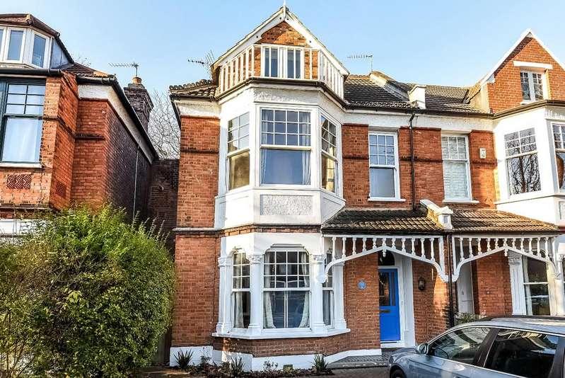 5 Bedrooms Semi Detached House for rent in Little Heath London SE7