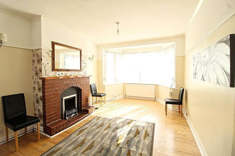5 Bedrooms Semi Detached House for rent in Larkshall Road, LONDON, E4 6NJ