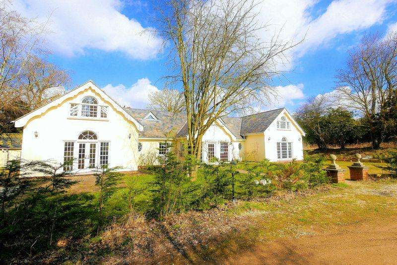 5 Bedrooms Detached House for rent in Mongewell Park, Wallingford