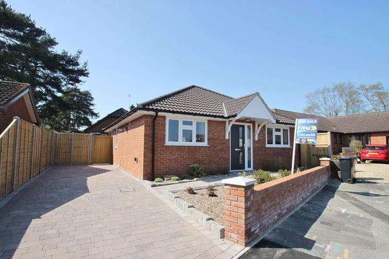 2 Bedrooms Detached Bungalow for sale in Woodlinken Way, Verwood