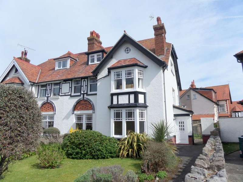 6 Bedrooms Semi Detached House for sale in St. Andrews Place, Llandudno