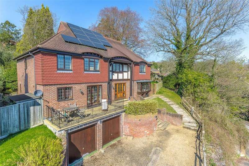 5 Bedrooms Detached House for sale in Rockfield Close, Oxted, Surrey, RH8