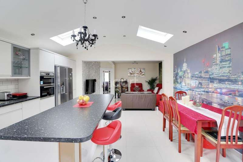 4 Bedrooms Semi Detached House for sale in Sundon Park Road, LU3