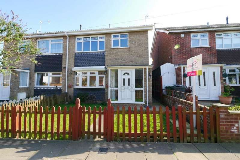 3 Bedrooms Semi Detached House for sale in Hazel Way, Gorleston, Great Yarmouth