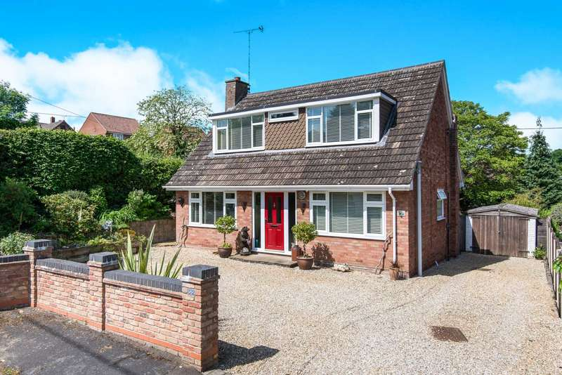 3 Bedrooms Chalet House for sale in Kabin Road, Norwich