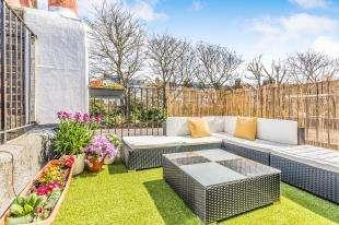 2 Bedrooms Maisonette Flat for sale in Seville Street, Brighton, East Sussex